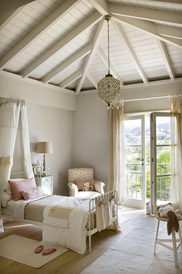 Una coqueta habitación en tonos pastel: