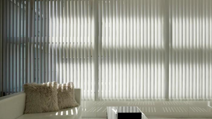clean-vinyl-vertical-blinds_f23de448bad1d382.jpg 700×394 pixels