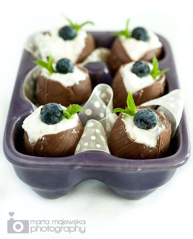 Chocolate Easter Eggs filled with White Chocolate Mousse....ARE YOU KIDDING ME? ..omg <3