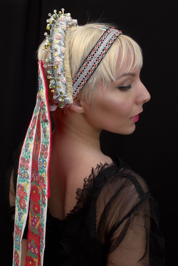 Slovak bridal headband with ribbons, pearls, beads.