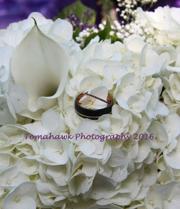 Tess and Justin Wedding rings 2016