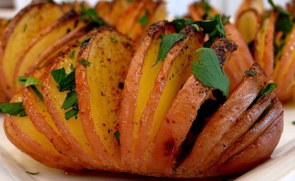 Τραγανές πατάτες φούρνου σε φέτες
