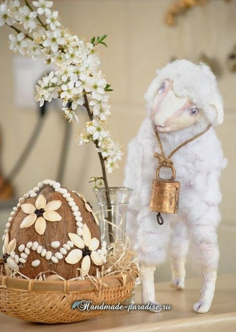 Декоративные пасхальные яйца из кокоса (8)
