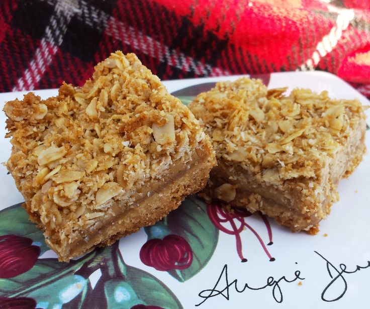Bread and Sniff It : Oaty Caramel Slice