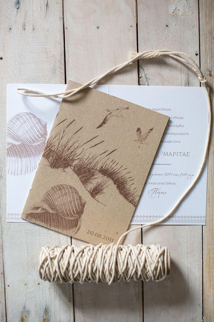 Rustic invitation for a seacoast wedding. Design : Atelier Invitations