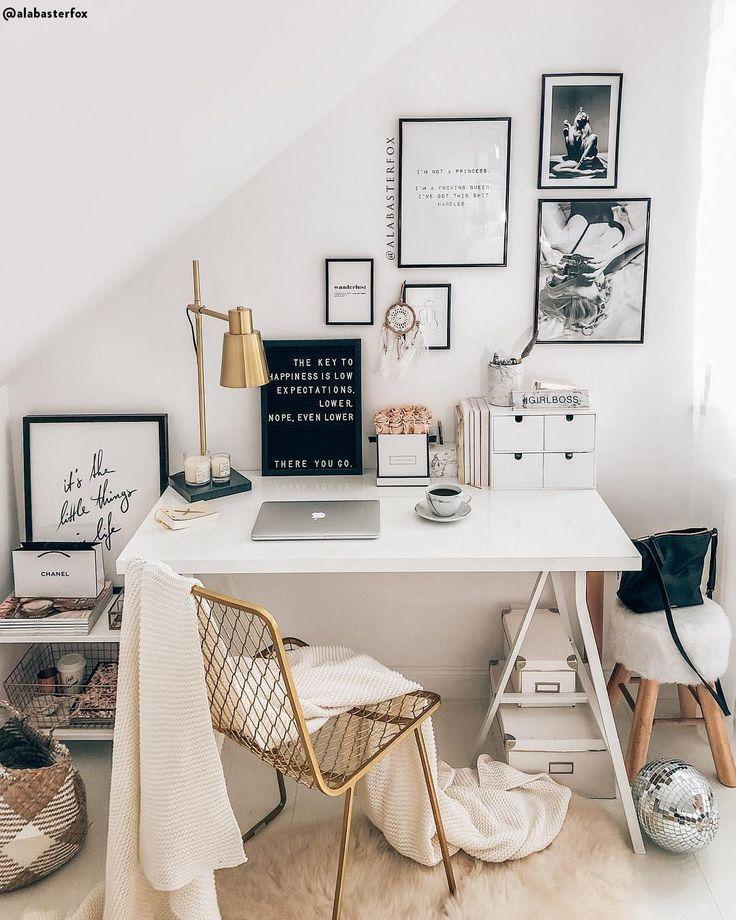 Der organisierte Schreibtisch ist der Ausgangspunkt für eine ruhige Arbeit