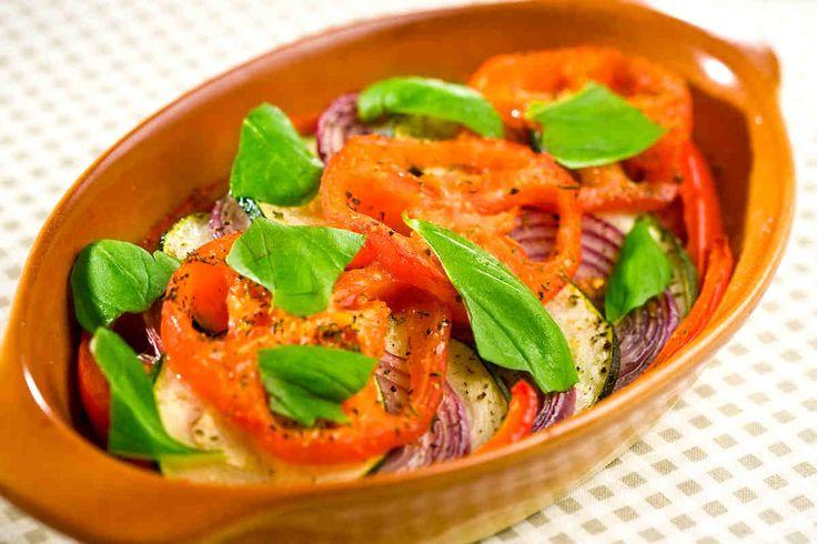 Warzywa z piekarnika. #pomidory #cukinia #cebula #papryka #kolacja #smacznastrona #tesco #przepisy #przepis