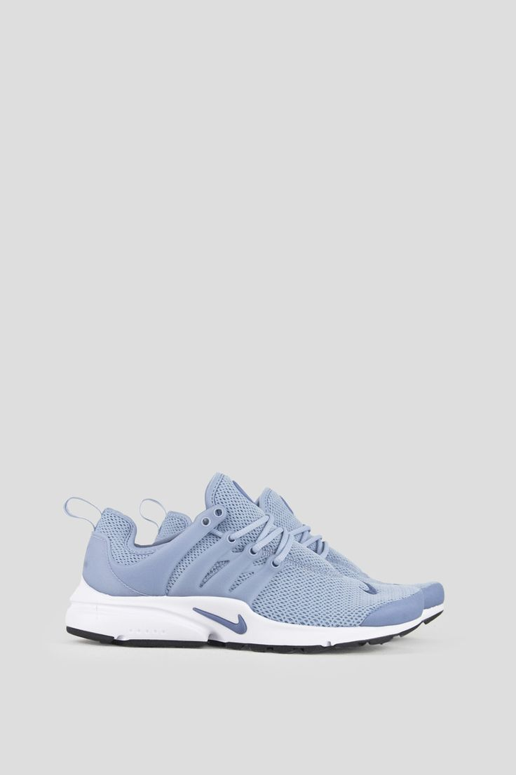 The Nike Air Presto Women's Shoe is inspired by the comfort and minimalism of a classic T-shirt for lightweight everyday comfort. - Product Code: 878068-400 - Color: Blue Grey / Ocean Fog - Black - Ma