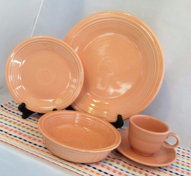Fiesta Retired Apricot 5-Piece Place Setting HLC Fiestaware Peach Pink Dish Set & 14 best Fiesta images on Pinterest | Fiesta ware Dish sets and ...
