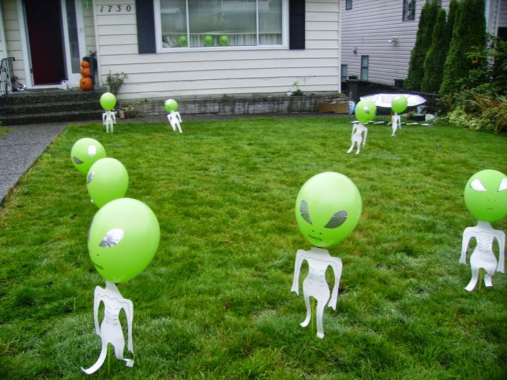 Learn 24 ways to decorate your home for halloween. Donnie Lochrie S News And Culture Blog Low Cost Halloween Yard Display Space Theme Party Alien Birthday Party Halloween Yard Displays