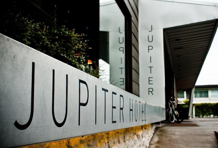Mr & Mrs Smith - Jupiter Hotel, Portland