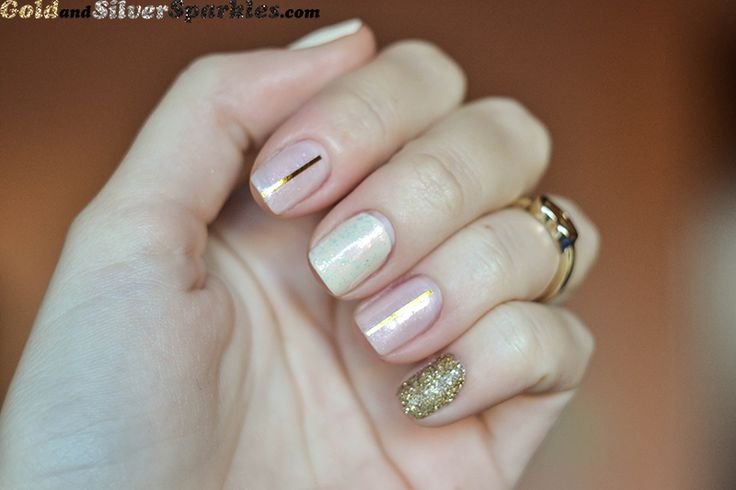 Delicate Glam http://www.goldandsilversparkles.com/2013/11/delicate-glam.html #beautyblogger #bbloggers #nails #glitter #goldglitter #glitter #notd #delicate #feminine
