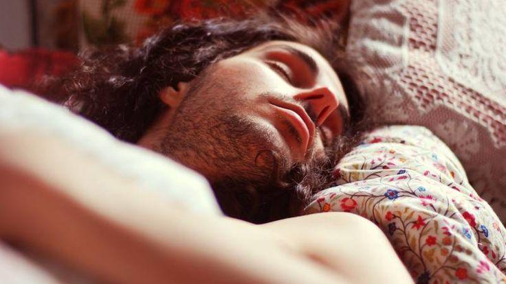 Bei westlichen Männern ist die Spermienzahl gesunken  Hopfen und Malz sind noch nicht ganz verloren. Auch wenn sich damit Mann ein wenig zurückhalten sollte in der Kinderwunschzeit. Lieber auf Rotwein umsteigen ;-) <3 Die richtigen Heilpflanzen, Vitalpilze und eine gesunde Ernährung und Lebensweise können den entscheidenden Unterschied machen…