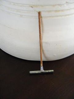 Ik heb een workshopje gemaakt voor het maken van een vloer-trekker;    Benodigheden:      Sateprikker van 3mm in doorsnee   kuipje van een ...