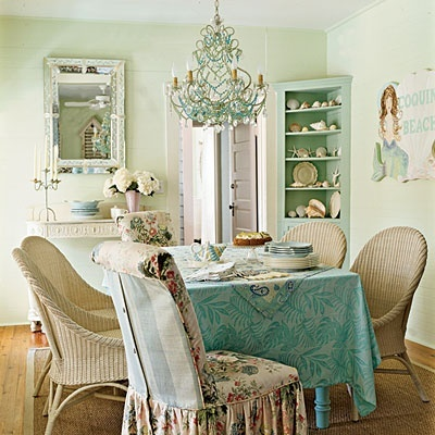 Beach Chic Dining beach-chic-decor: Chic Decor, Dining Rooms, Beaches House, Shabby Chic, Corner Cabinets, Cottages Rooms, Coastal Living, Corner Shelves, Beaches Cottages