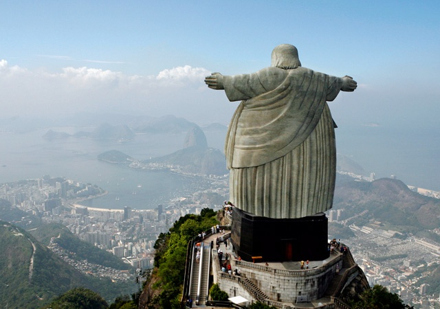 Brazil, rich and fat.Brazil's economy is growing fast and becoming fat. São Paulo is more expensive than New York. Is it a time for a diet?