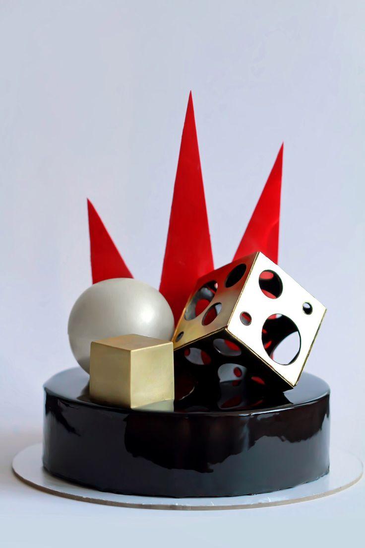 Золотой куб;серебряный шар и красные треугольники...Геометрия.Муссовый торт.Я вот думала,что дырявый шоколадный кубик сделать так же просто,как и дырявый шоколадный шарик.Первый блин комом! Внутри два слоя брауни и мусс на тёмном шоколаде.Мужской характер! Mousse geometric cake golden cube,silver sphere and red triangles.