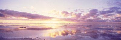 Auringonnousu rannalla, Pohjanmeri, Saksa Valokuvavedos tekijänä Panoramic Images AllPosters.fi-sivustossa