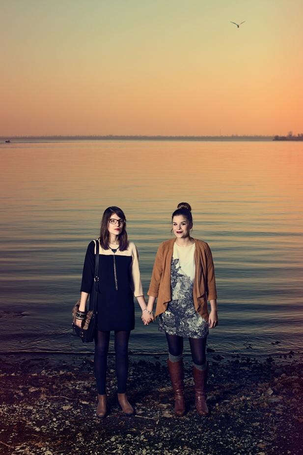 Carolane et Josiane | Ton Petit Look | Valérie Dumaine, ALDO, Rachel f., Miss Cocotte et Simons | Source : Bureau de la mode de Montréal | Photographe : Alexandre Chabot #modeMtl