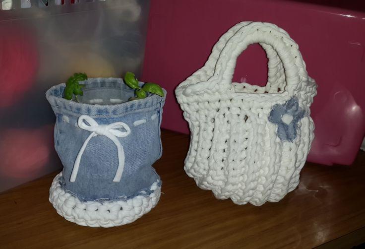 Cesta multiiuso de jean y trapillo en crochet bolso for Bolso crochet trapillo
