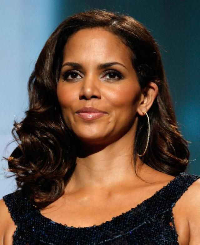 Long, Black Hair The Best Styles of 2015: Halle Berry Shows Off a Long, Black Hairstyle