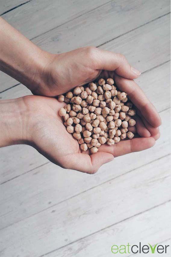 #Kichererbsen: Wusstest du, dass Kichererbsen einen höheren Proteingehalt haben als manche Fleischsorten? Da freut sich nicht nur das Vegetarier, sondern auch das Sportler Herz. #foodfact #cleverfood