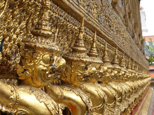 bangkok, palacio real de bangkok, chao phraya express, buda reclinado de bangkok, buda esmeralda de bangkok, skytrain de bangkok, como ir desde Don Mueang al centro de Bangkok, khaosan road, museo de trajes de bangkok, khon, wat pho, templo del atardecer de bangkok, chao phraya express, mercado de las flores de bangkok, golden mount, visado para tailandia