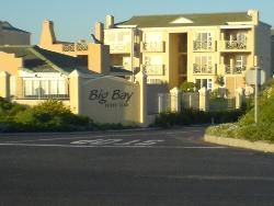 197 Big Bay Beach Club - The large one-bedroom self-catering apartment is located in a secure complex in the holiday area of Bloubergstrand in Cape Town.  The ground floor unit sleeps two adults and boasts beautiful views of Table ... #weekendgetaways #bloubergstrand #capemetropole,blaauwberg #southafrica