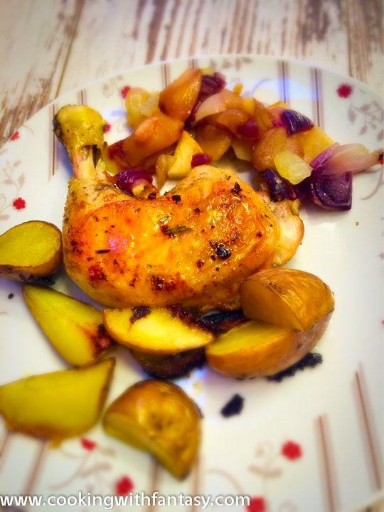 Az almás hagymás csirkecomb egy egyszerű és kevés törődéssel járó esti hétköznapi vacsora.
