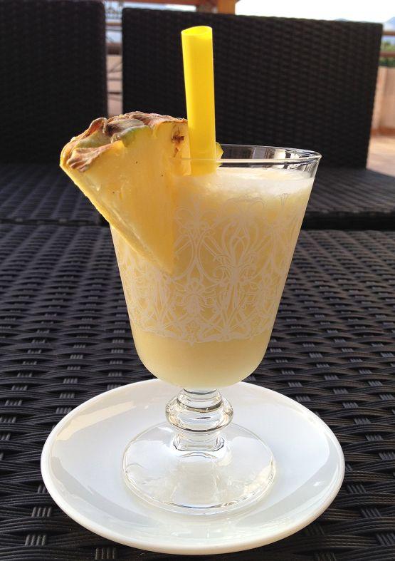 smoothies frutas smoothies de piña postres rápidos postres frescos postres con piña Piña colada (smoothie) leche de coco y piña bebida cockt...