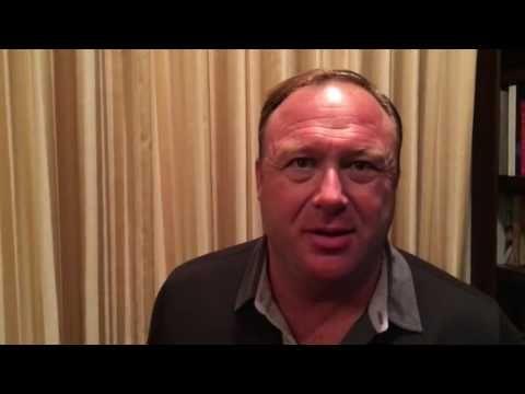 Alex Jones : Donald Trump Turns President in Louisiana - August 2016