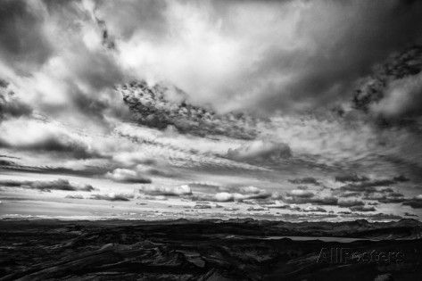 Laki, Or Lakagigar, Is a Volcanic Fissure in Iceland, Under Heavy Clouds Fotografiskt tryck