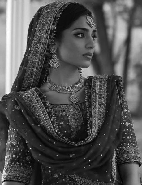 I'm a big fan of the traditional Punjabi look. I think this shot has a lovely retro looks out it.m