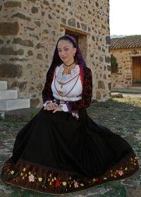 Traditional Sardinian clothe//VERONICA FRAU- COSTUME OROSEI.