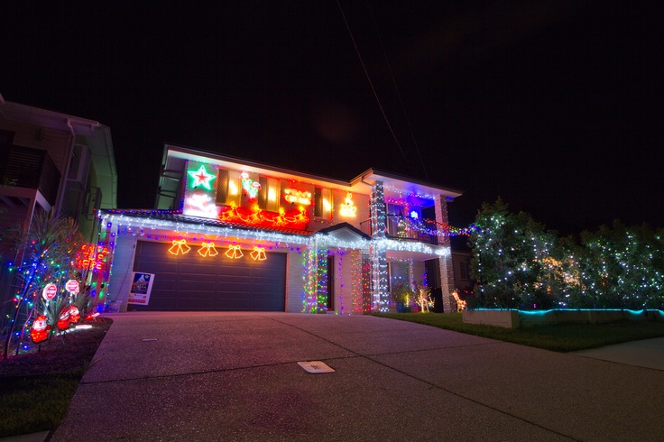 Christmas lights in Corinda, Collins Street.  Also an official entrant to the 4KQ Christmas Lights Competition.