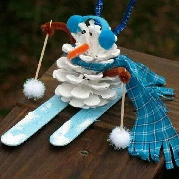 pinecone snowman, Cool Snowman Crafts for Christmas, http://hative.com/cool-snowman-crafts-for-christmas/,