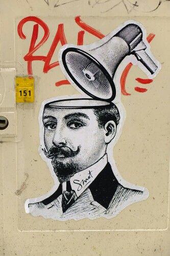 Smot - street art - paris 20 - passage des soupirs (juin 2013) Well, there's a statement piece for ya.