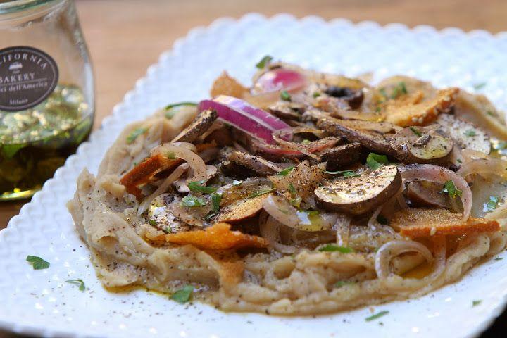 Mushrooms, Hummus, Onion, Bagel Chips Salad