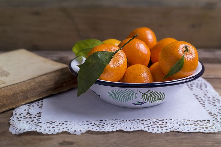 Our enamel soup bowl perfect for home and garden. Great for serving soups, salads and fruits.