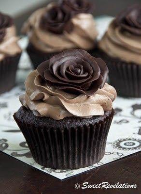 black rose!Chocolates Cake, Food, Dark Chocolates, Chocolates Cupcakes, Rose Cupcakes, Models Chocolates, Wedding Cake, Chocolates Rose, Cupcakes Chocolate