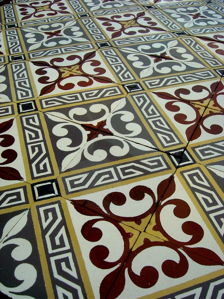 13.5m2 Antique French ceramic floor complete with double border tiles c.1915-1920 - The Antique Floor Company