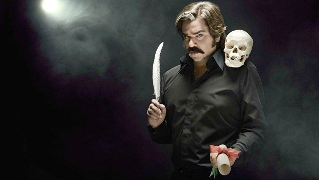 TOAST of LONDON - Comedy series following Steven Toast, an eccentric middle-aged actor with a chequered past who spends more time dealing with his problems off stage than performing on it