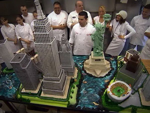 Amazing Building Boss Wedding Cake pictures