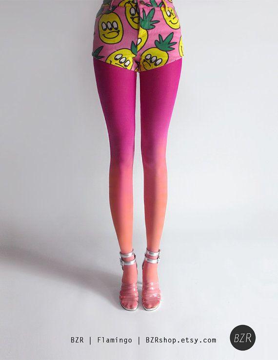 Main teint collants Ombré dans Flamingo par Tiffany Ju. Dernière chance ! Croyez-moi, ce sont encore plus impressionnants en personne. Magenta sur le