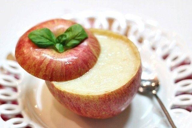 おやつ屋さんの温かいりんご スープ #snapdish #foodstagram #instafood #food #homemade #cooking #japan #japanesefood #apple #soup #料理 #手料理 #ごはん #おうちごはん #テーブルコーディネート #器 #お洒落 #和食 #ていねいな暮らし#暮らし #ばんごはん #スープ #りんご https://snapdish.co/d/GOL9za