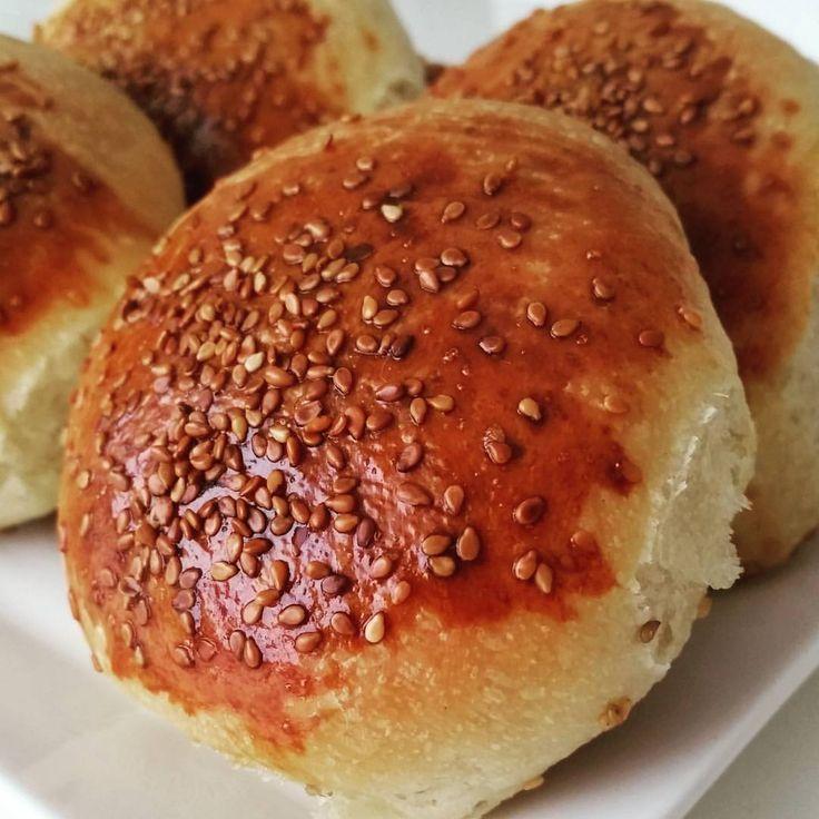 """175 Beğenme, 18 Yorum - Instagram'da @kizmeseleleri: """"Pastane pogacasi. Sipariş. PASTANE POGACASI Malzemeler: 1 bardak siviyag 200 gr margarin 1 bardak…"""""""