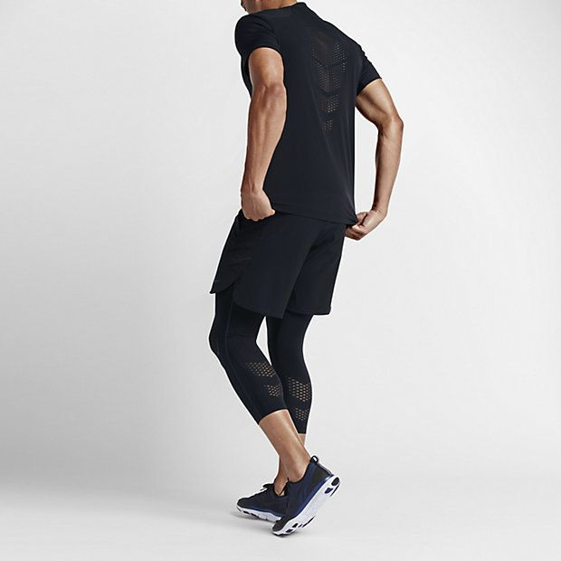 SUPPORT THAT MOVES WITH YOU The NikeLab Essentials Pro Men's Three-Quarter Training Tights provide support and freedom to move with super-stretchy Dri-FIT fabric. The compressive, lightweight fit and cropped design make these tights ideal as a baselayer under your shorts. Full Support An allover compressive fit supports your muscles during training. Stays in Place An engineered jacquard waistband helps keep the tights in place while you stretch, cut, jump and run. Visibility Reflective…