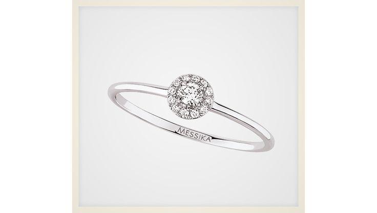 Bagues de fiançailles diamants pas cher http://www.vogue.fr/mariage/bijoux/diaporama/ou-trouver-bague-de-fiancailles-ideale-mariage-diamants-solitaires/18108/image/989782#!bagues-de-fiancailles-diamants-pas-cher