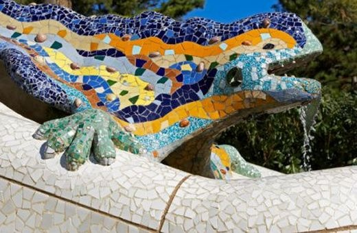 Moza Ek Van De Salamander In Park Guell Van Gaudi In