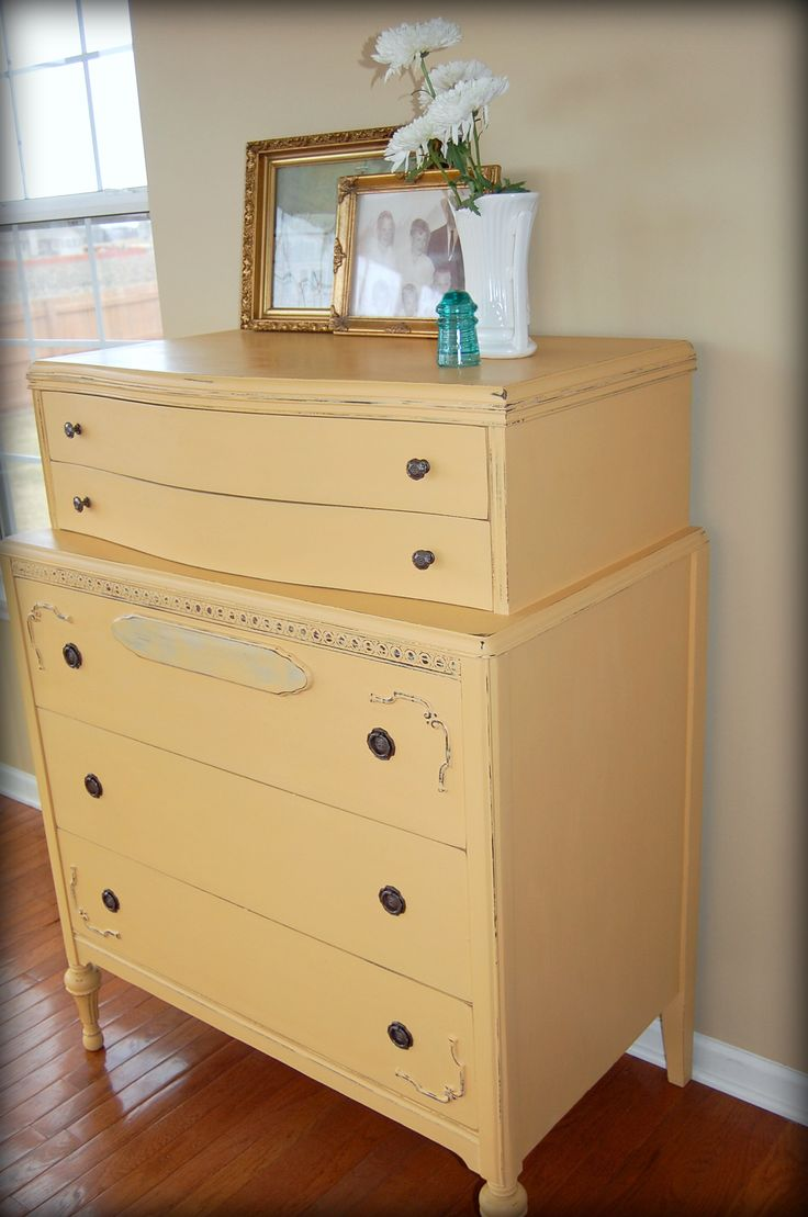 96 best images about chalk paint arles on pinterest for Yellow painted table